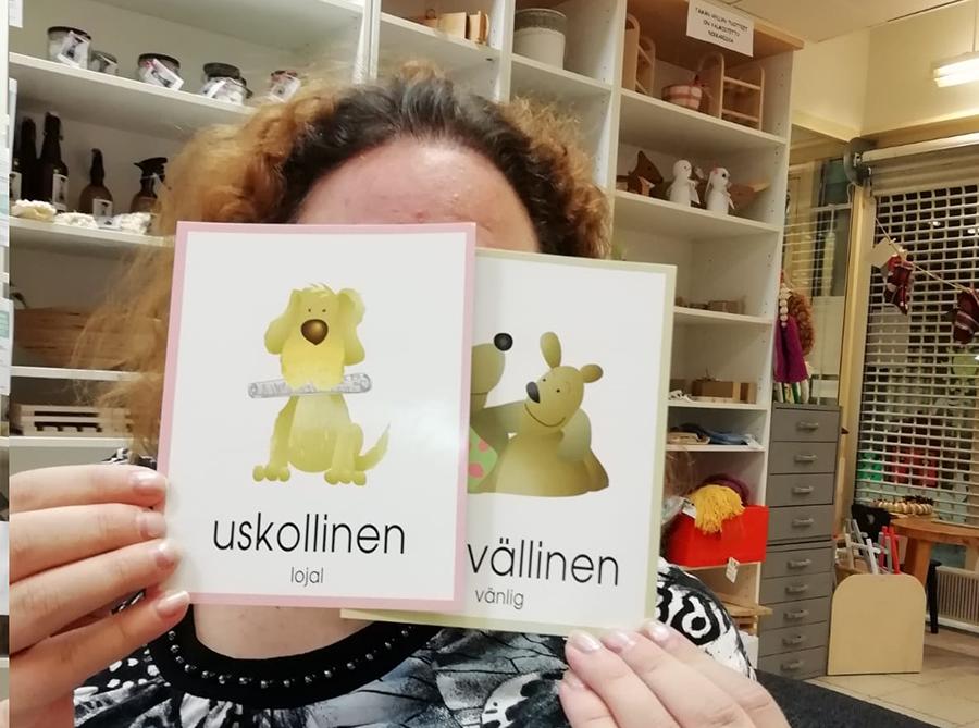 Kuva 1. Olkkarin asiakas vahvuuksia jakamassa (Kuva: Anri Tolonen 2019)