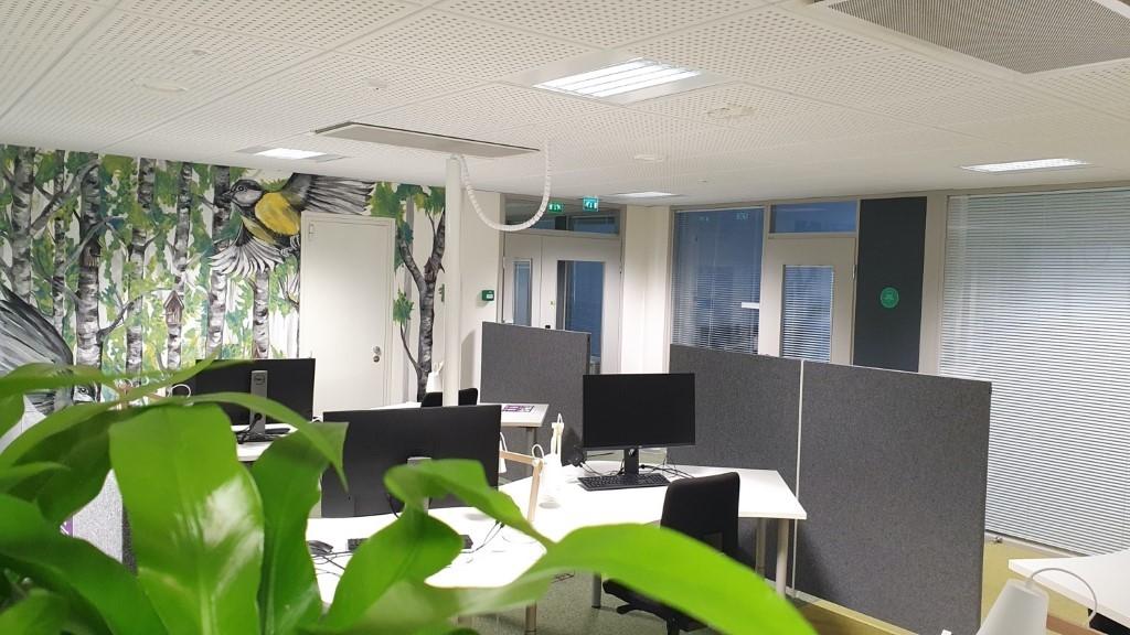 Kuva, joka sisältää kohteen sisä, sisäkatto, pöytä, huone  Kuvaus luotu automaattisesti